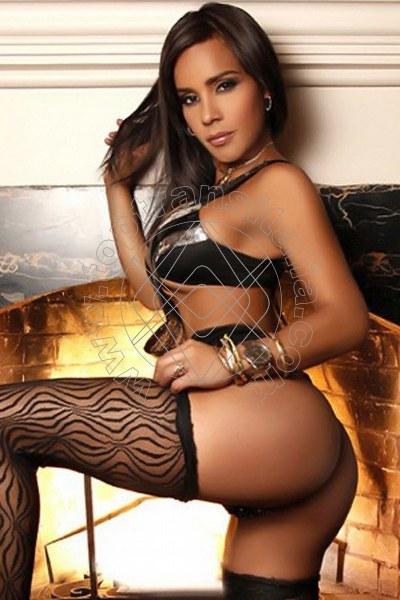 Isabella Kardashian ARDEA 3277141123